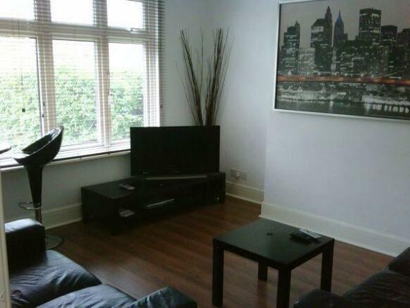 37 SC Living room