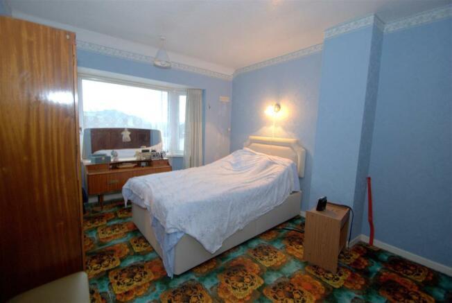 Bedroom 1 A.NEF.jpg