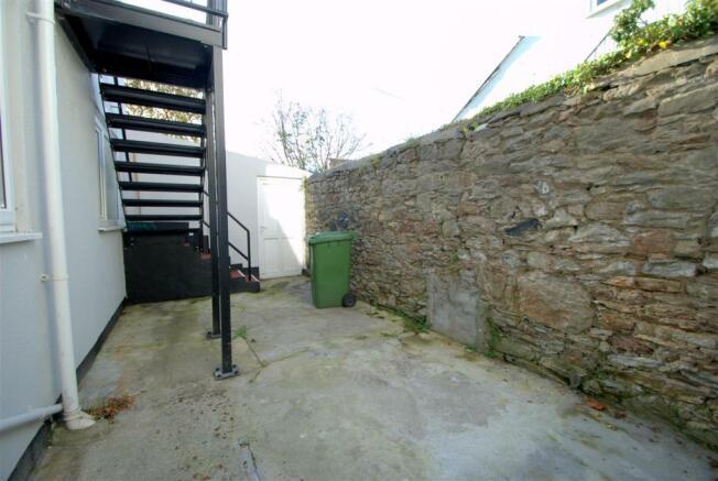 Courtyard 1.NEF.jpg
