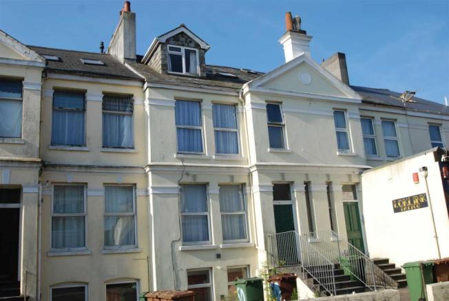 Studio Flat To Rent In Mount Gould Road Lipson Pl4