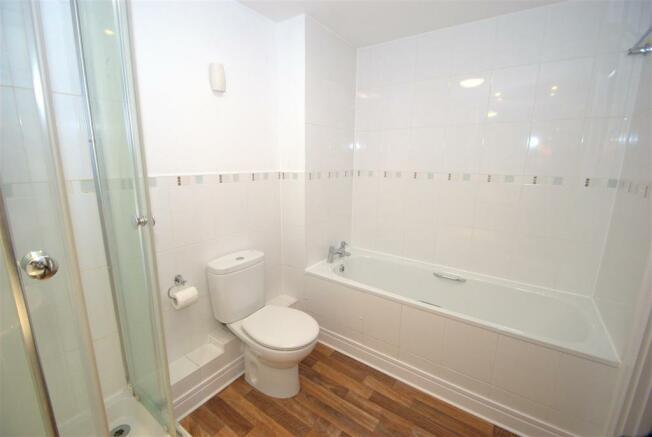 Bathroom B.NEF.jpg