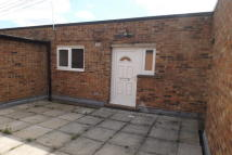 Ilchester Close Flat to rent