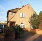 3 bed semi detached house in Tunnel Avenue...