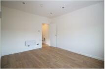 3 bedroom Flat to rent in Stanstead Road, SE6