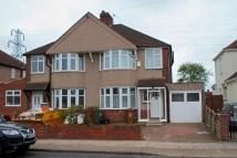 3 bedroom semi detached property to rent in Westwood Lane
