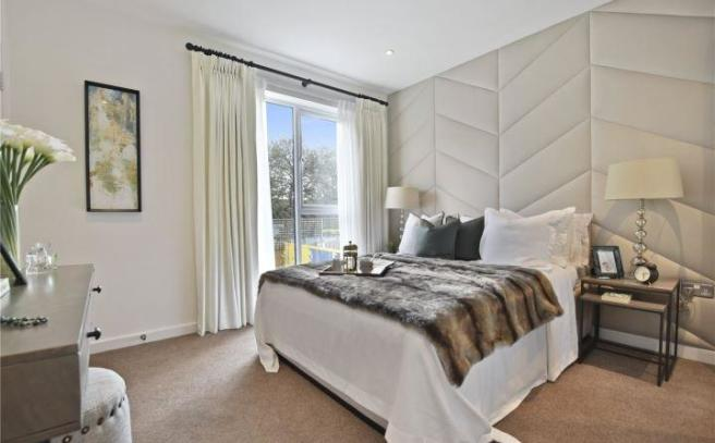 Show House Bed 1