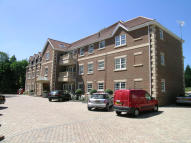 2 bed Flat to rent in Kendall Manor...