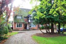 3 bedroom Flat in Frithwood Avenue...
