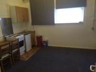 Studio apartment to rent in Woodville Road, Barnet...