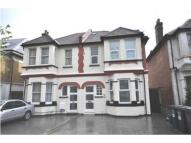 2 bed Flat to rent in 80 Sunningfield Road...