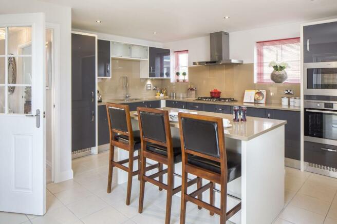 Kitchen/breakfast/family area