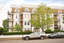 Ground Flat to rent in Sisters Avenue, London...