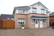 3 bedroom semi detached house in Heather Gardens...