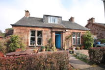 4 bed Detached property in Sherwood Avenue...
