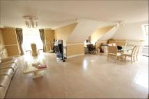 2 bed Apartment in Riverside Gardens...