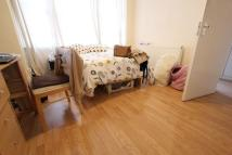Flat to rent in Hackford road...