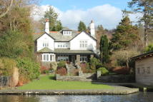 5 bed Detached home in Cressbrook, Storrs Park...