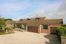 Detached Bungalow in 122 Filey Road...