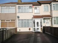 3 bed property for sale in Riversdale Road, Romford...
