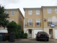 Town House to rent in Langley - Castleview...