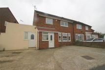 4 bedroom semi detached house to rent in Off London Road -...