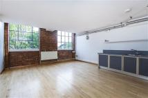 2 bedroom Flat in Dove Road West...