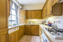 2 bed Flat to rent in Great Sutton Street...