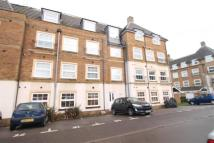 1 bedroom Flat to rent in Holmes Court...