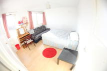 Flat Share in Tredegar Road, London, E3