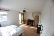 4 bedroom Flat to rent in Gale Street, London, E3