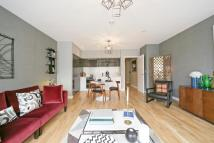 3 bedroom Apartment in Chiswick Point, Chiswick...