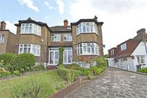 4 bed property in Roxburgh Road...