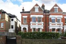 Flat to rent in Palace Road