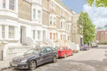 3 bedroom Flat in Fernshaw Road, London...