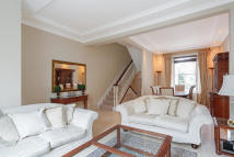 Terraced home in Lamont Road, London, SW10