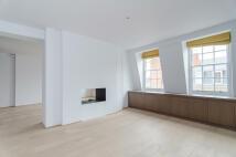 3 bedroom Apartment in Old Brompton Road...