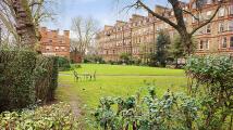 Flat in Harrington Gardens...