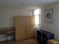 3 bed Flat in Aytoun Road, London, SW9