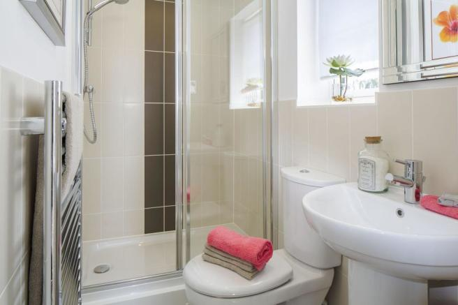 Typical Lincoln en suite to master bedroom