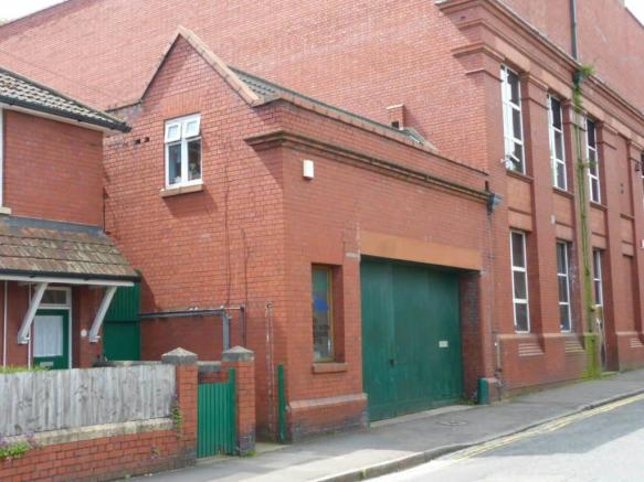 3 bedroom house for sale in the old fire station 125 for Classic house bristol