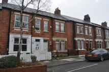 4 bed Terraced property to rent in Sidney Grove...