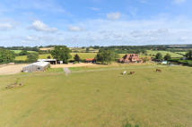6 bedroom Detached house for sale in Runwick, Surrey