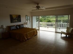 Grand Bedroom 2