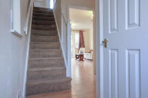 2 bedroom semi detached house to rent in Hastings Drive, Surbiton...