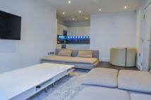 2 bedroom Apartment in Ireton house...