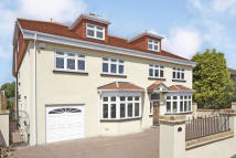 6 bedroom Detached house to rent in Clarence Road, Hersham