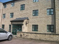 Apartment to rent in High Street, Uppermill...