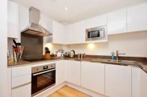 2 bed Flat for sale in Admirals Tower...