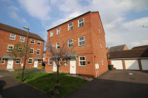 4 bedroom semi detached property in Sherbourne Drive, Hilton...