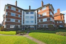 2 bedroom Flat in Upper Richmond Road West...